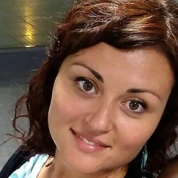 Sara_profile pic