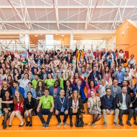IMG_3179_ADSummit19_Group waving
